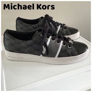 NEW Sz8 Michael Kors Sneakers